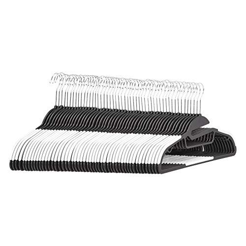 Amazon Basics– Strapazierfähige Kunststoff-Kleiderbügel, mit rutschfestem Gummiüberzug und horizontalem Steg, Weiß, 50Stück