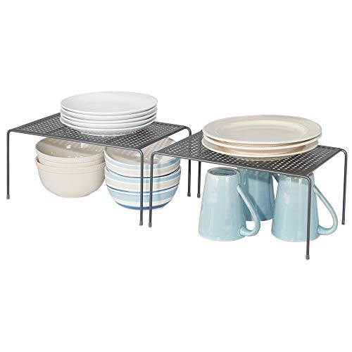mDesign Juego de 2 estantes de cocina – Soportes para platos individuales de metal – Pequeños organizadores de armarios para tazas, platos, alimentos, etc. – gris