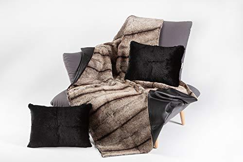 AKOR Outlet   Manta confeccionada en Conejo rasado Gris y Reversible en napa Negra   100% Natural   Medidas 180 x 120 cm   Hand Made