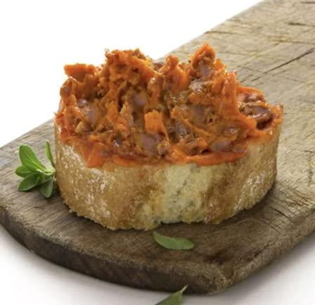 ZURRAPA DE LOMO ROJA 0.5 kg muy parecida al paté pero más fibrosa y que tiene como condimento principal el pimentón dulce.