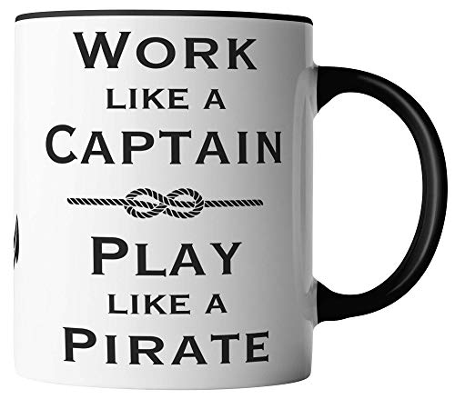 vanVerden Tasse - Work like a Captain Play like a Pirate - beidseitig Bedruckt - Geschenk Idee Kaffeetassen mit Spruch, Tassenfarbe:Weiß/Schwarz