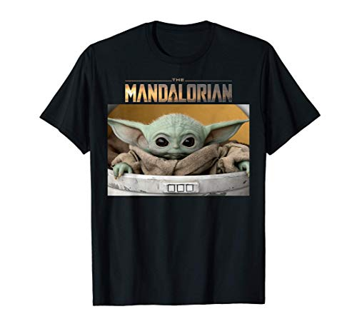 Star Wars The Mandalorian The Child Logo Portrait Panel Camiseta