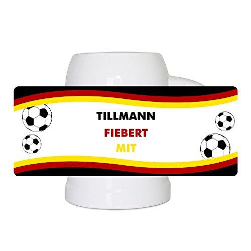 Fußball-Bierkrug mit Namen und Motiv - Tillmann fiebert mit - für Deutschland-Fans - Fan-Bierkrug personalisiert - Deutschland-Krug - Bierhumpen