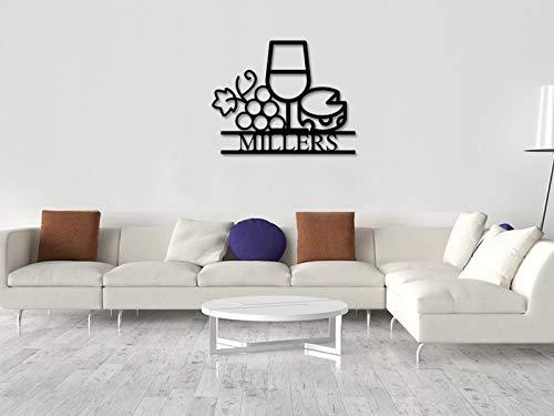 Cartel de metal con diseño de monograma para colgar en la pared, de 14 pulgadas, con vino y queso, cartel personalizado de vino, cartel de vino, cartel de nombre familiar de metal con vino, amante del vino, apellido