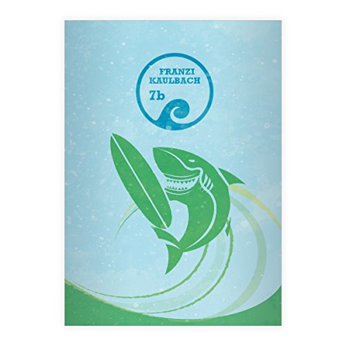 Kartenkaufrausch 1 personalisiertes, Cooles Surfer DIN A4 Grundschul Heft mit Hai auf Surfbrett in Brandung auf hellblau grün Kontrastlineatur 1