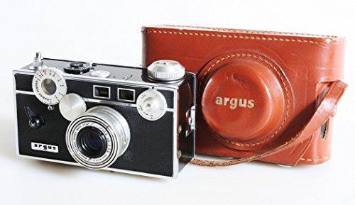 ARGUS C3 HARRY POTTER CAMERA WITH ORIGINAL CASE/STRAP