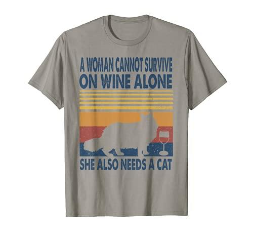 Una mujer en vino y ella necesita un gato Maine Coon gatito amante Camiseta