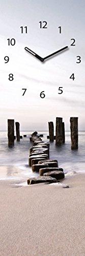 Wanduhr aus Glas, Path to Silky Sky, Strand mit Holzpfählen, 20x60 cm von Eurographics
