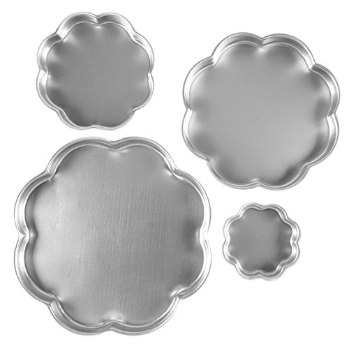 Wilton Performance Pans Flower Cake Pan, 4-Piece Petal Shaped Set of 17, 12.75 and 9-Inch Pans