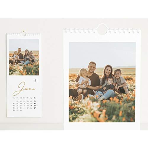 Fotokalender 2021 mit Veredelung in Gold, Unser Jahr, Wandkalender mit persönlichen Bildern, Kalender für Digitale Fotos, Spiralbindung, Hochformat 148x360