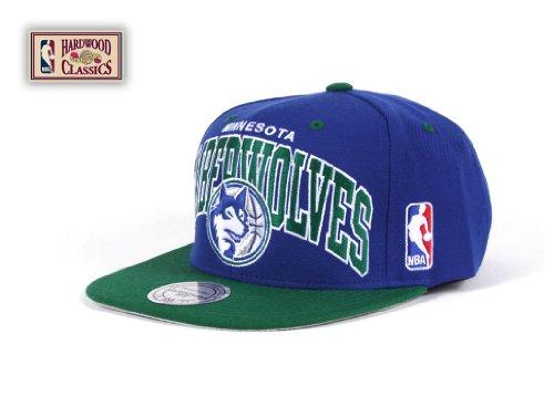 Mitchell and Ness Snapback Chapeau - Minnesota Timberwolves NBA 2 Tone Adjustable Blue and Green