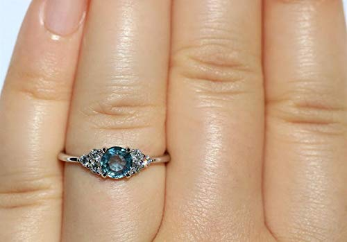 Engagement Untreated .35 ct Montana Blue Sapphire Ring Stackable Ring Petite Blue Montana Sapphire Natural Blue Sapphire Ring Promise