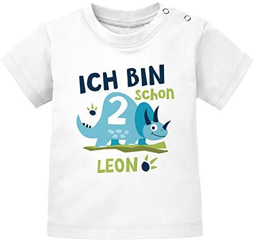 SpecialMe® Baby T-Shirt mit Namen und Zahl 1/2 Geschenk zum Geburtstag Dinosaurier Dino für Jungen 2 Jahre weiß 92/98 (16-24-Monate)