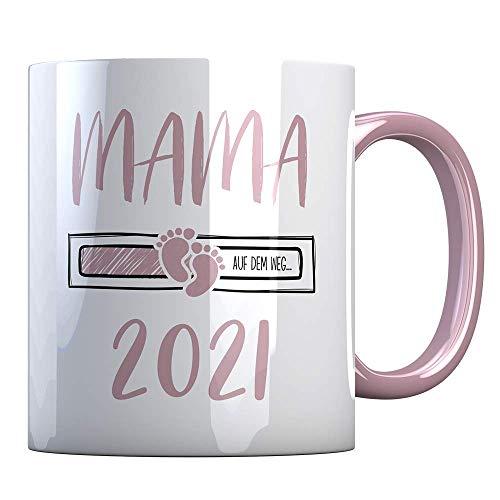Tassenbude Kaffee-Tasse Mama 2021 loading Geschenk-Idee für werdende Mütter Mamas Schwangerschaft Geburt Baby beidseitig bedruckt rosa spülmaschinenfest