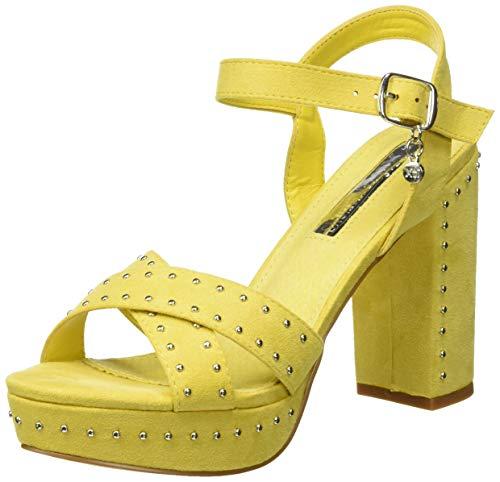Sandalia amarilla de tacón ancho con algo de plataforma