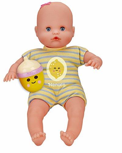 Nenuco - Mi pequeno, muneca Con Biberon Sonajero y Pijama Limon, (Famosa 700012087)
