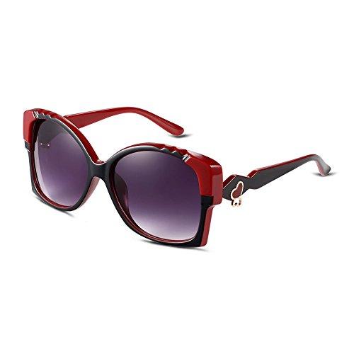 iLove EU, occhiali da sole da donna, occhio di gatto, lenti a specchio con cuore in metallo sulla staffa, 4 colori a scelta nero/nero/rosso.