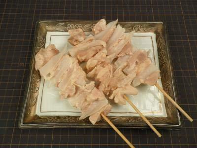 焼き鳥 冷凍 鶏 ヤゲン軟骨 串 もも挟み 240本(本35g) イベント 出店など 業務用 冷凍