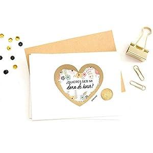 """Tarjeta Testigo de Boda ⎪Personalízala con tu mensaje ⎪Tarjeta Rasca (DAMA) : ¡Sorprende a tus amig@s con esta adorable tarjeta rasca! Puedes usarla para pedirles si quieren ser tus testigos, tus damas de honor, o para cualquier notición que quieras dar de forma original! IMPORTANTE: La tarjeta se envía con el mensaje del corazón descubierto para que puedas comprobar que es el mensaje correcto. Solo quedará cubrirlo con el adhesivo rasca dorado que vendrá incluido junto con el sobre, y ya estará lista para que su destinatari@ lo rasque con una moneda y descubra la sorpresa! (mejor si es sobre una superficie dura, como una mesa). Escoge la opción """"En Blanco"""" para escribir tú mism@ el mensaje que prefieras."""