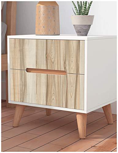 木目調の壁紙は家具のリメイクにもおすすめです。壁の張り替えをしたことがない人は、まず練習用にチャレンジしてみてはいかがでしょう?