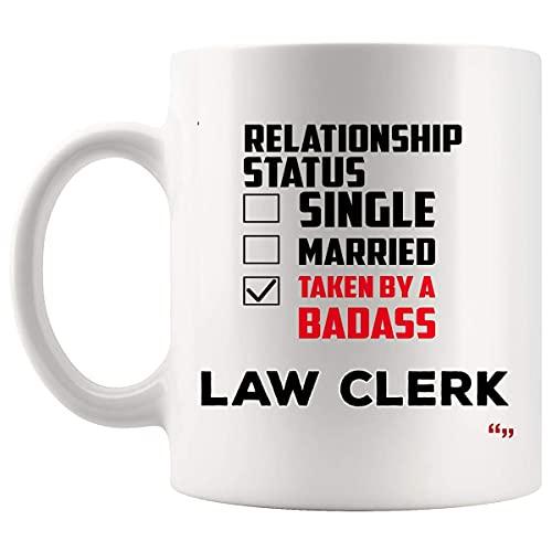 Tomado por la Ley Clerk taza taza de café Clerks marido esposa - Juez legal del abogado del abogado Corte Estudiante regalo de cumpleaños para el novio Novia