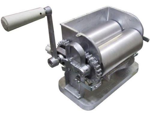 NEW Made in Mexico Monarca Manual Flour/Corn Aluminum Tortilla Maker Roller Press