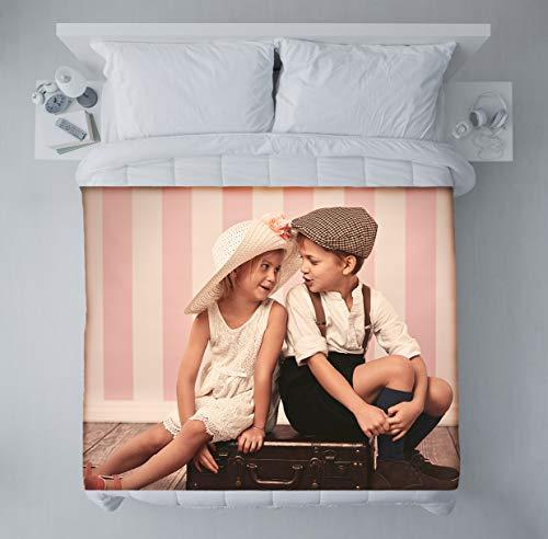 fatfoto Fotodecke mit eigenen Fotos & Text gestalten - Bedruckte Kuscheldecke - personalisiertes Fotogeschenk - Decke mit Collage (140 x 200 cm, Vollbild)