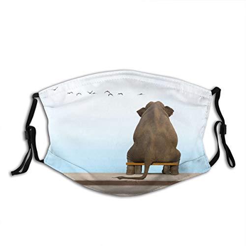 NIET Unisex gezicht Cover Verstelbare anti-stof-monddeksel wasbaar herbruikbare gezicht Cover voor fietsen Camping Reizen - Een olifant zit op een bank in diepe beschouwing