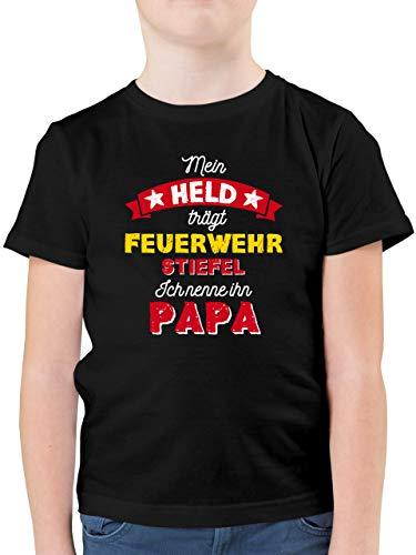 Vatertagsgeschenk Tochter & Sohn Kinder - Mein Held trägt Feuerwehrstiefel - 152 (12/13 Jahre) - Schwarz - Feuerwehrstiefel - F130K - Kinder Tshirts und T-Shirt für Jungen