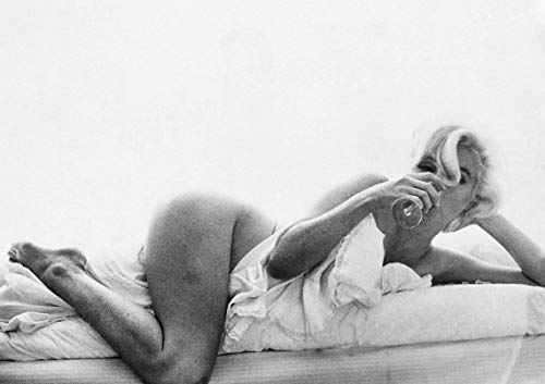 Naked Marilyn Monroe Poster, Vintage Photo Poster, Marilyn Monroe Poster, Marilyn Monroe Iconic Art Print, Marilyn Monroe Black White Artwork, Marilyn Monroe Gifts, Erotic Marilyn Monroe Wall Art
