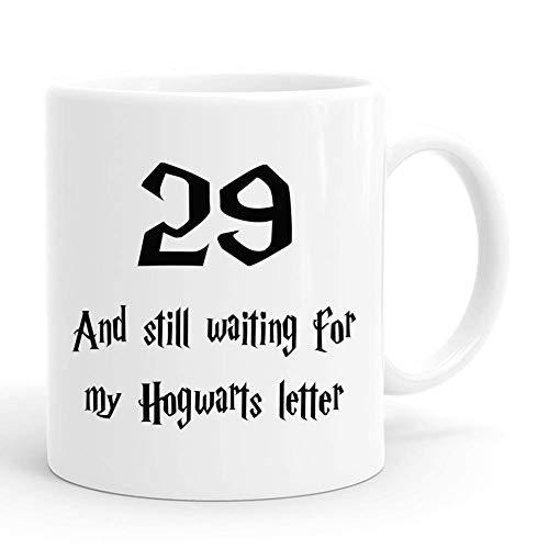 Taza con letras de 29 y todavía esperando mi Hogwarts, regalos de cumpleaños número 29 para hombres, divertidos regalos de cumpleaños de 1991 de 29 años, tazas de café de 11 oz para él, amigo, papá, h