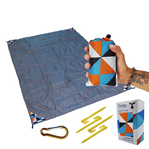 Outdoor Picnic Blanket - Compact, Lightweight, Sand Proof Pocket Blanket Best Mat for The Beach, Hiking, Travel, Camping, Festivals with Pockets, Loops, Stakes, Carabiner (Camouflage Lattice)
