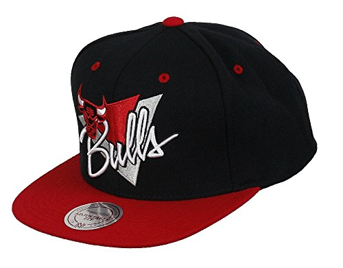 Mitchell & Ness Chicago Bulls Snapback Cap NY99Z Triangle script Basecap and