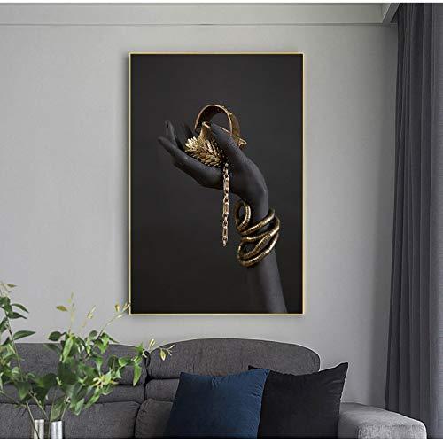 Pinturas en lienzo en la pared Mano de mujer negra con joyas de oro Carteles e impresiones artísticos de pared Impresiones de arte pop Decoración de pared 70x100cm (27.56x39.37in) Sin marco