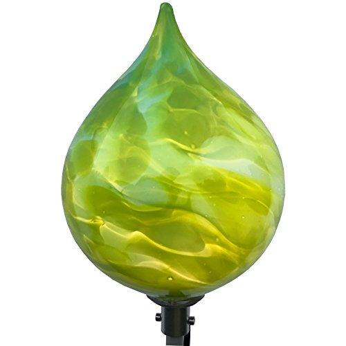 große Spitzkugel mit LED Beleuchtung aus Glas. Stehkegel inklusive Stabbeleuchtung aus Aluminium. Gartendekoration. Mundgeblasenes und handgeformtes Glas Unikat aus dickwandigem Glas.