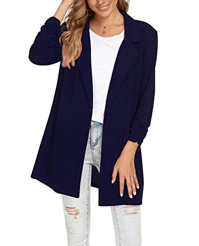 What Color Shirt Goes With a Blue Blazer?