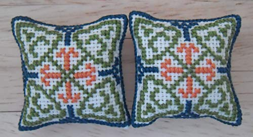 1//12th Scale Dolls House Printed Fabric Speckled Design Cushions in Green