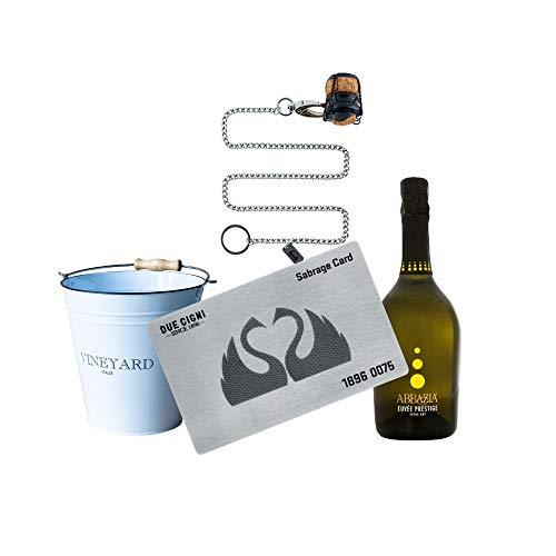YesEatIs by Due Cigni - Sommelier Kit mit Sabrage Card 1869 - Edelstahlkarte zum Öffnen von Champagner und Sekt + Prosecco Cuvée Prestige Abbazia + Weißer Eiskübel