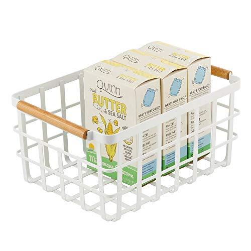 mDesign Allzweckkorb aus Metall – Aufbewahrungskorb für Küche, Vorratskammer etc. – kompakter und universeller Drahtkorb mit Bambusgriffen – mattweiß