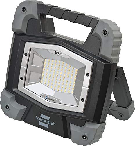 Brennenstuhl Mobiler Bluetooth LED Strahler TORAN 5000 MB / LED Baustrahler 46W für außen (LED Arbeitsstrahler mit Steuerung per App, Steckdose und 5m Kabel, 5000lm, IP54)