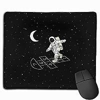 宇宙飛行士が宇宙でゲームをプレイ マウスパッド ノンスリップ 防水 高級感 習慣 パターン印刷 ゲーミング ホビー 事務 おしゃれ 学習 25x30cm