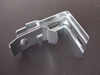 Amazing Drapery Hardware Vertical Blind L Brackets with Clips- All Steel- Pack of 22 Brackets