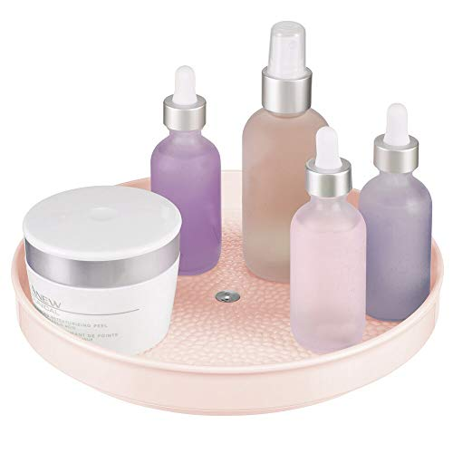 mDesign Plataforma giratoria para cosméticos – Elegante plato giratorio para pintaúñas, productos para el cabello y medicinas – Organizador de maquillaje redondo en plástico sin BPA y acero – rosa