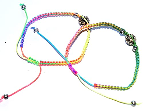 Pulsera Feng Shui Bead Pulseras de amistad, juego de dos (pulsera de amistad de moda de cordón hecha a mano con encanto tailandés de bola de seda y metal) bonita, moderna, linda y de moda Pulsera de a