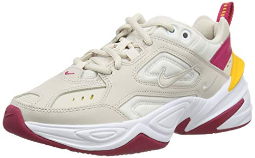 Nike Damen W M2k Tekno Gymnastikschuhe, Braun (Desert Sand/Desert Sand/Phantom/Wild Cherry/Dk Sulfur 016), 40 EU