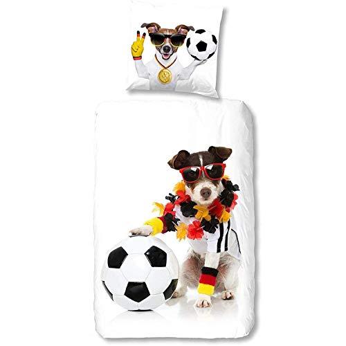 Aminata Kids Fussball Bettwäsche 135x200 Junge Jungen Hund, Baumwolle mit Reißverschluss, Jungs, Männer & Jugendliche, weiß Welpe Deutschland Flagge WM EM Fussball-Fan-Motiv-Verein