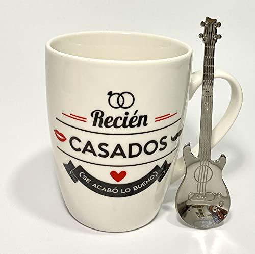 Pack » Taza de Desayuno Con Frases Originales, con Mensajes Graciosos + Cuchara de Acero Inox en Forma de Guitarra - El Regalo Ideal (Taza Desayuno con Frase: Recién Casados, se Acabó lo Bueno)