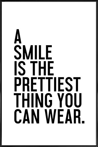 """JUNIQE® Bild mit Rahmen 60x90cm Schwarz & Weiß Motivation - Design """"A Smile Is The Prettiest"""" (Format: Hoch) - Wandbilder, Gerahmte Bilder & Gerahmte Poster von unabhängigen Künstlern - Typo Kunst mit Sprüchen, Quotes, Slogans - entworfen von Honeymoon Hotel"""