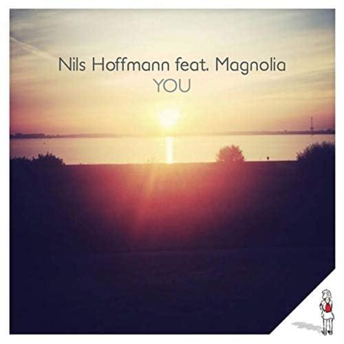 nils hoffmann & Magnolia