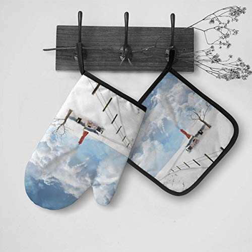 Snow Scenery Oven Mitts and Potholders, Soft Cotton Lining and Non-Slip Surface, Heat Resistant Heavy Duty Cooking Gloves, Kitchen Counter Safe Trivet Mats for Cooking Baking Grilling